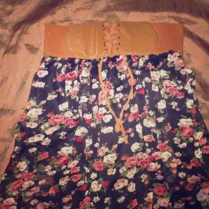 I am selling a high low skirt